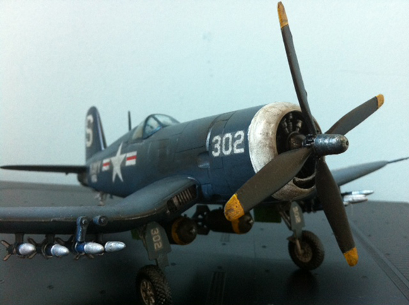 1/48 Academy F4U-Corsair right view