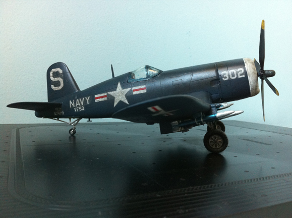 1/48 Academy F4U-Corsair side view